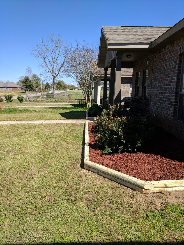 Lawn Care Service in Robertsdale, AL, 36567