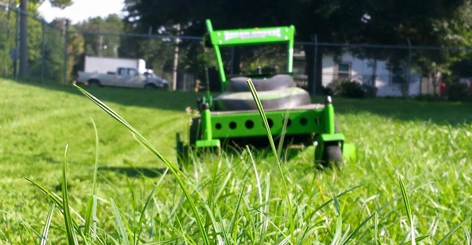 Lawn Care Service in Cincinnati , OH, 45040