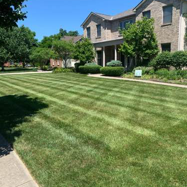 Lawn Care Service in Pataskala, OH, 43062