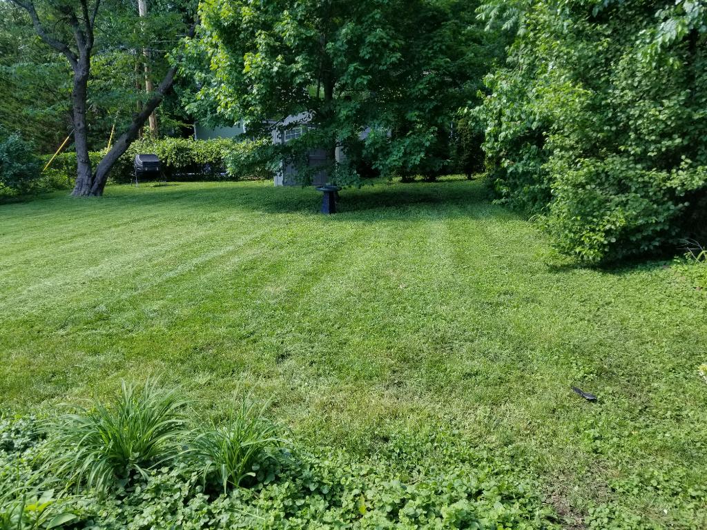 Lawn Care Service in Gladstone, MO, 64118