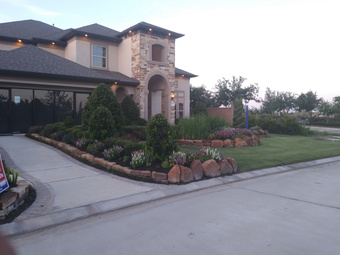 Lawn Care Service in Dickinson, TX, 77539