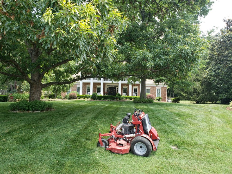 Lawn Care Service in Brentwood, TN, 37027