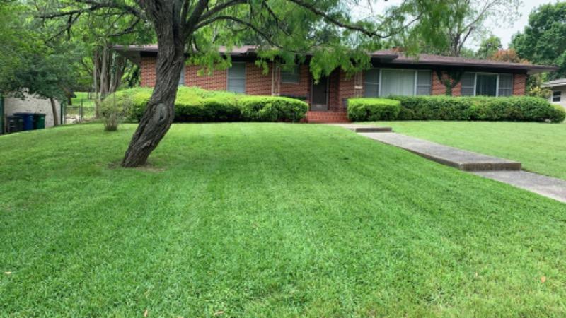 Lawn Care Service in Atascosa, TX, 78002