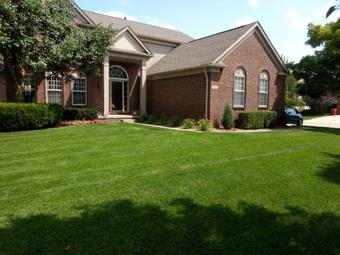 Lawn Care Service in Clinton Township, MI, 48038