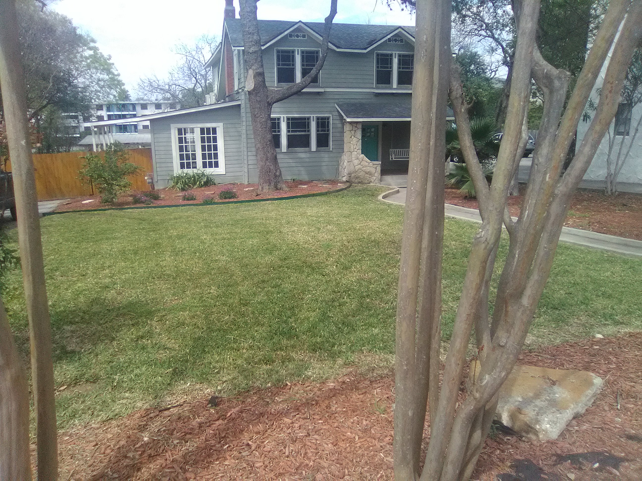 Get Lawn Care Services In San Antonio From R And L Lawn Care