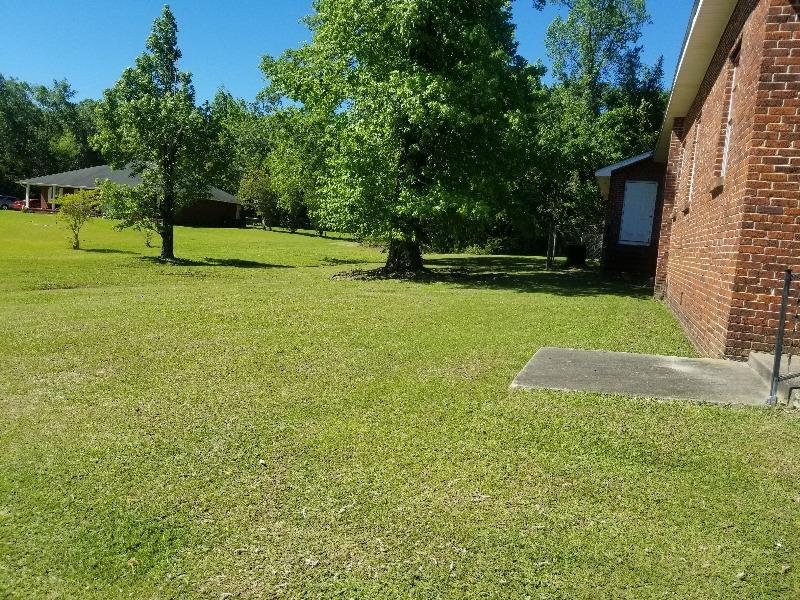 Lawn Care Service in Pensacola, FL, 32503