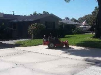 Lawn Care Service in St. Petersburg, FL, 33714
