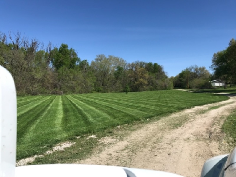 Lawn Care Service in Tonganoxie, KS, 66086