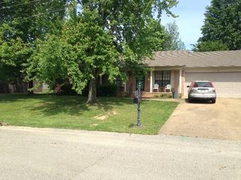 Lawn Care Service in Jackson, TN, 38305