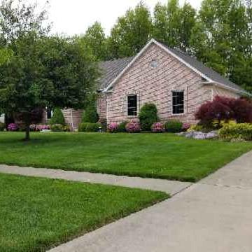 Lawn Care Service in Vermilion, OH, 44089