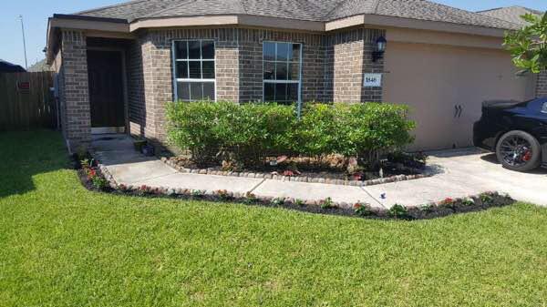 Lawn Care Service in Rosharon, TX, 77583