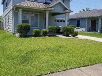 Lawn Care Service in Houston, TX, 77070