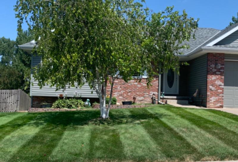 Lawn Care Service in Omaha, NE, 68138