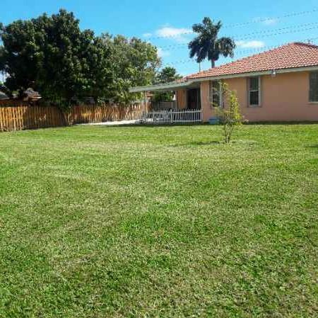 Lawn Care Service in Miami, FL, 33142