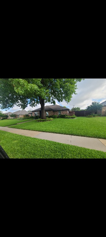 Lawn Care Service in Garland, TX, 75043