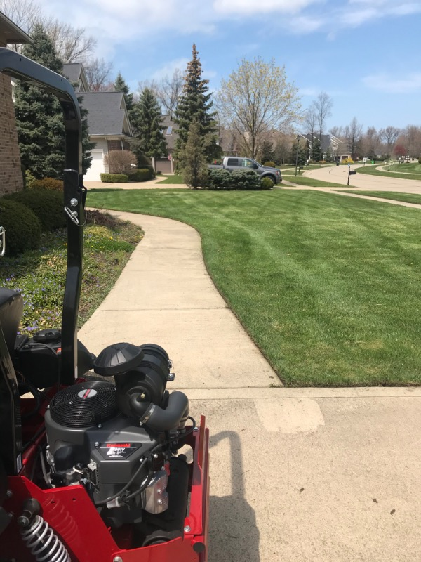 Lawn Care Service in Lakewood, OH, 44012