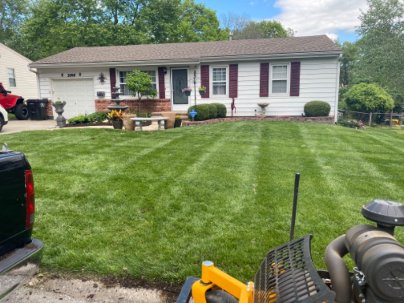 Lawn Care Service in Independence, MO, 64056