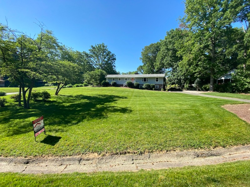 Lawn Care Service in Rockwood, VA, 23236