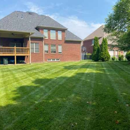 Lawn Care Service in Louisville, KY, 40047
