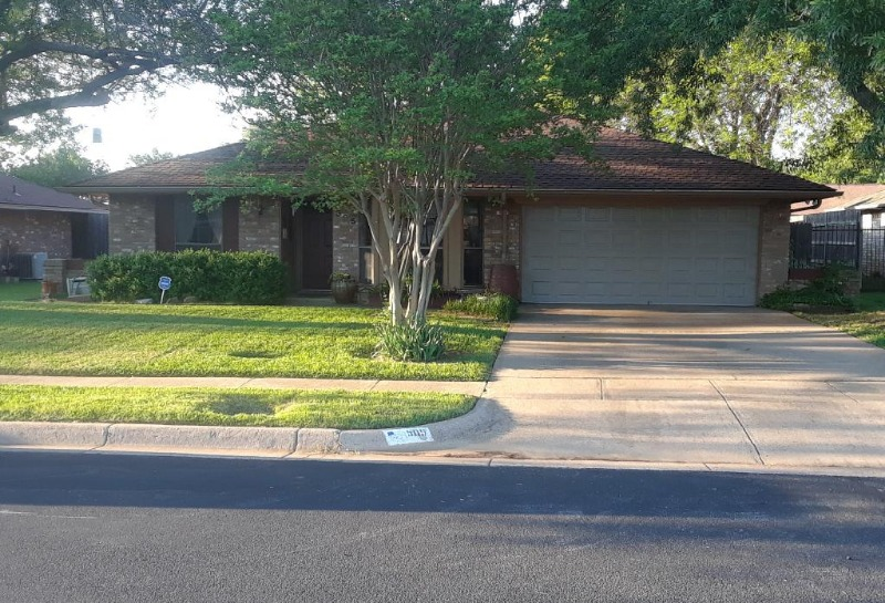 Lawn Care Service in Fort Worth, TX, 76119
