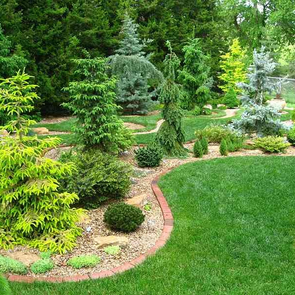 Lawn Care Service in Grandview Heights, PA, 17601