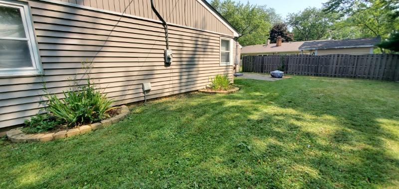 Lawn Care Service in Sandwich, IL, 60548