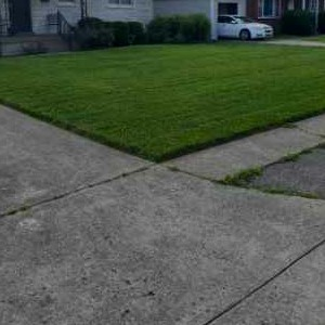 Lawn Care Service in Louisville, KY, 40216