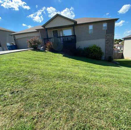 Lawn Care Service in Springfield, MO, 65804