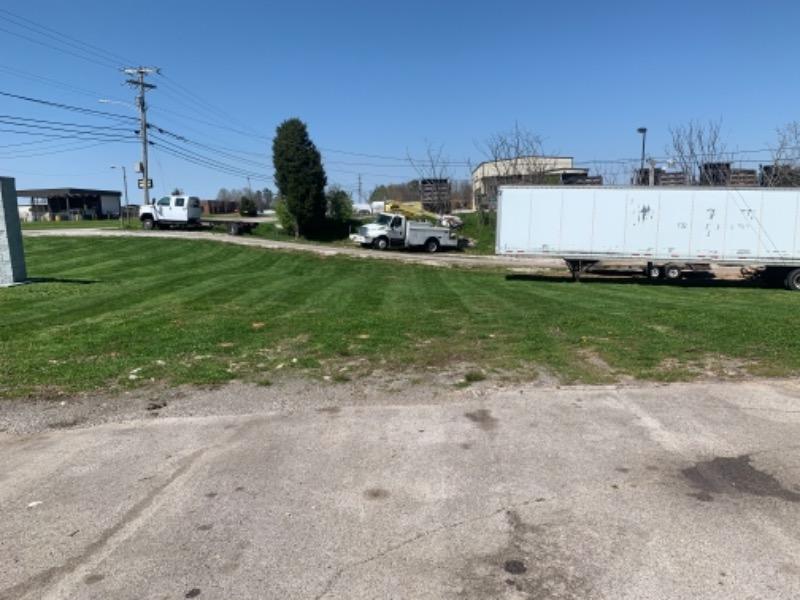 Lawn Care Service in Centerville, TN, 37033