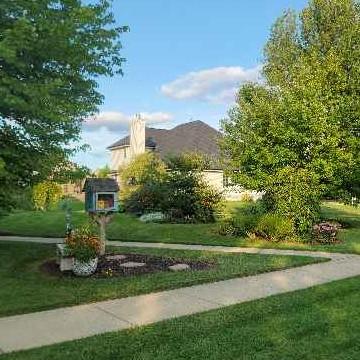 Lawn Care Service in Belvidere, IL, 61008