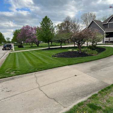 Lawn Care Service in Topeka, KS, 66614