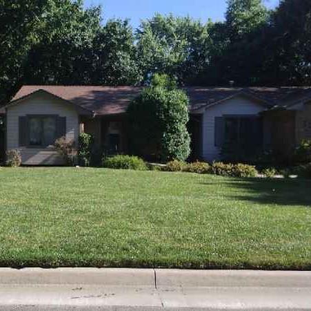 Lawn Care Service in Wichita, KS, 67212