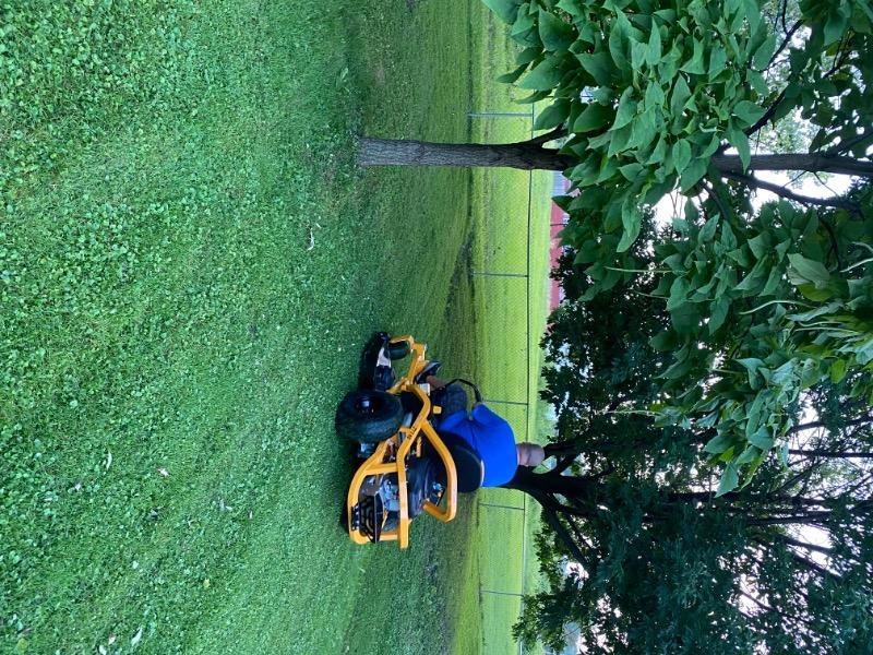 Lawn Care Service in Roseville, MI, 48066