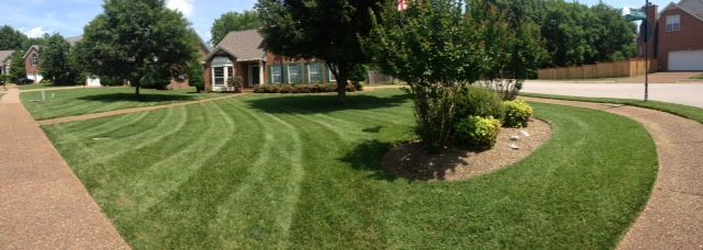 Lawn Mowing Contractor in Nashville, TN, 37221