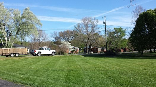 Lawn Mowing Contractor in White House, TN, 37188