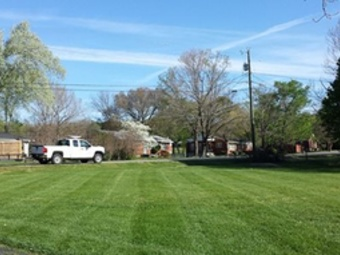 Lawn Mowing Contractor in White House, TN, 37073