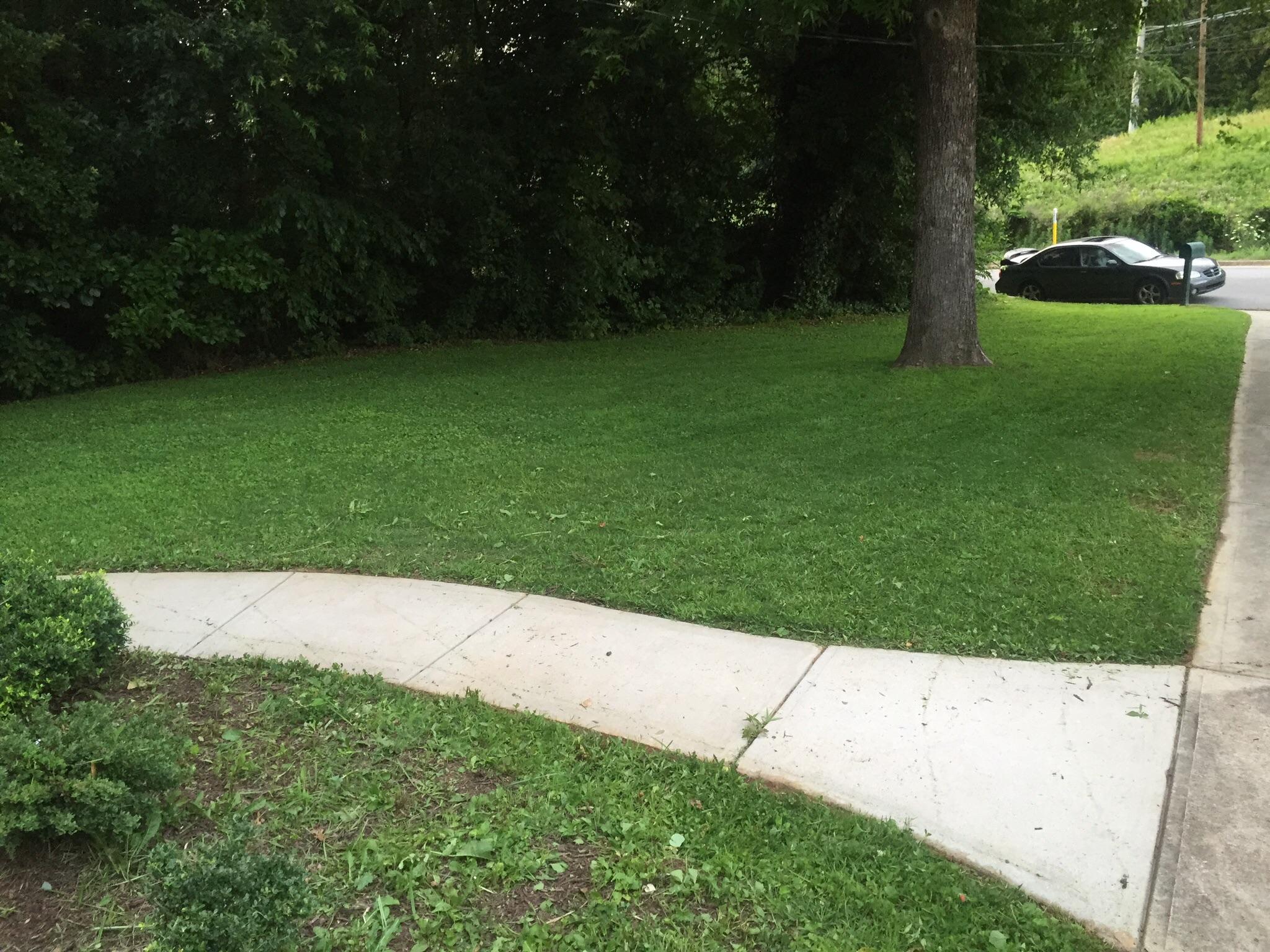 Lawn Mowing Contractor in Atlanta, GA, 30310
