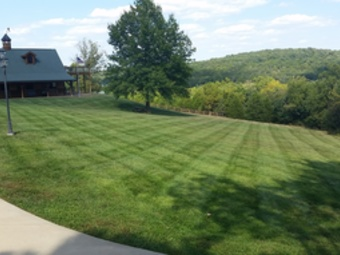 Lawn Mowing Contractor in Villa Ridge, MO, 63089