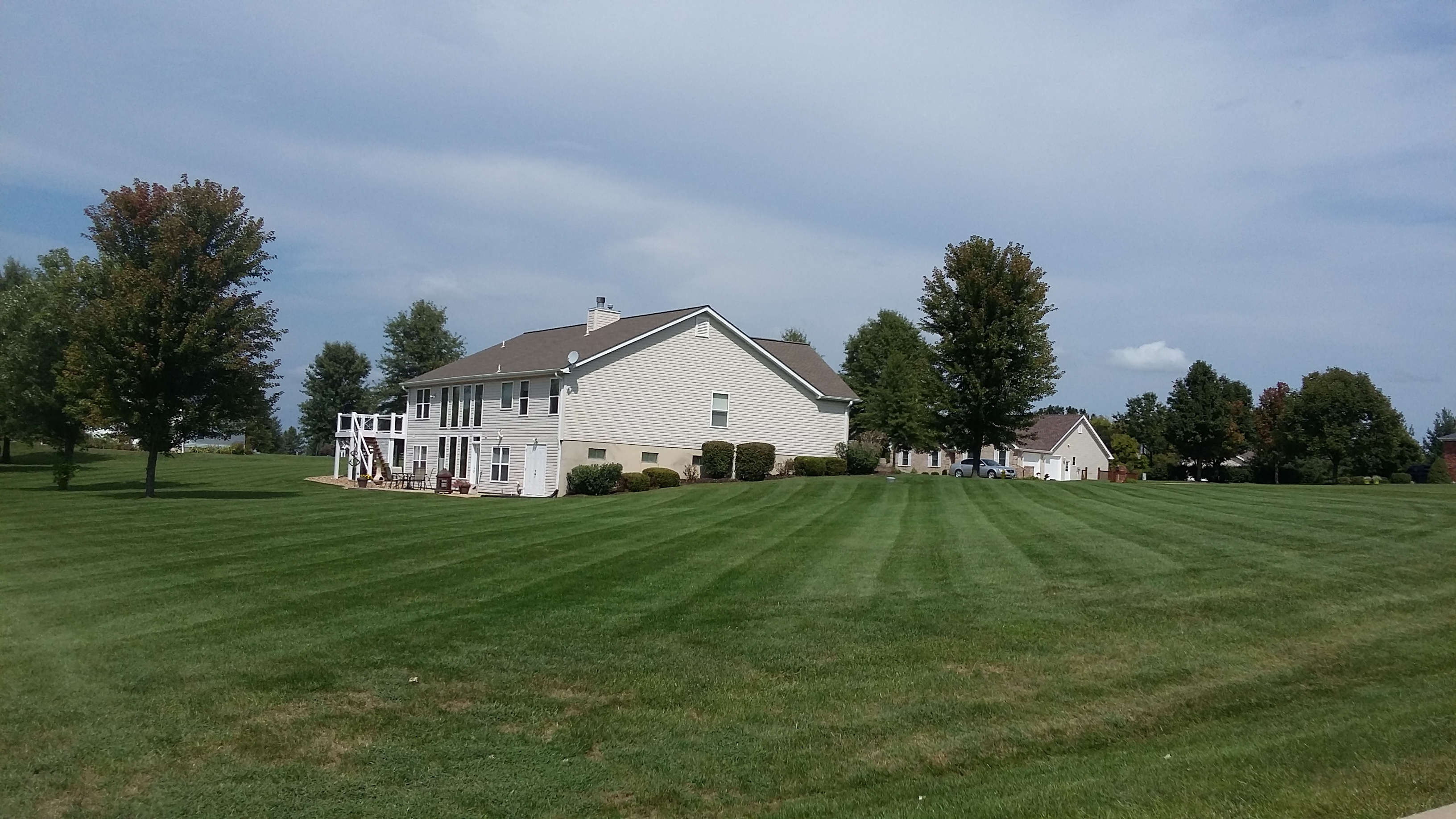 Lawn Mowing Contractor in Pevely, MO, 63040