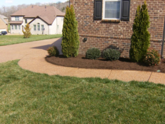 Lawn Mowing Contractor in Hendersonville, TN, 37075