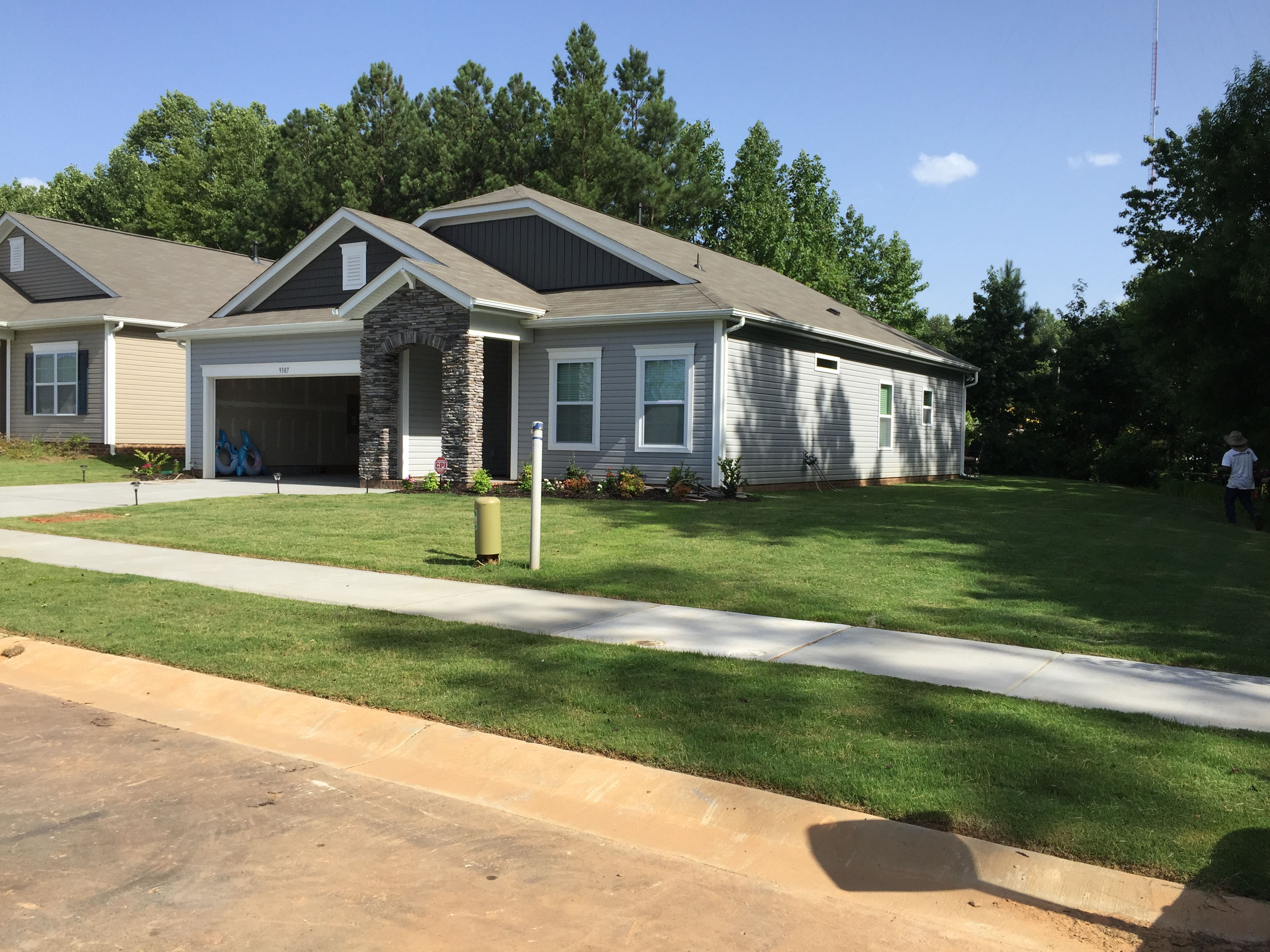 Lawn Mowing Contractor in Charlotte, NC, 28205