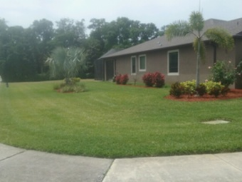 Lawn Mowing Contractor in Parrish, FL, 34219