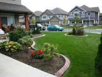 Lawn Mowing Contractor in Houston, TX, 77545