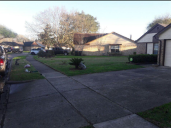 Lawn Mowing Contractor in Houston, TX, 77083