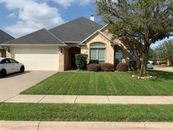 Lawn Mowing Contractor in Fort Worth, TX, 76123