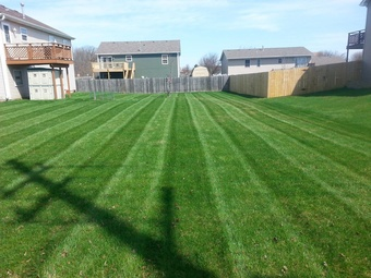 Lawn Mowing Contractor in Portland, OR, 97211