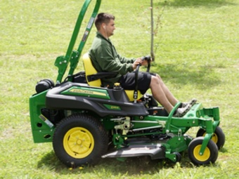 Lawn Mowing Contractor in Clarksville, TN, 37040
