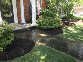 Lawn Mowing Contractor in Chicago, IL, 60630