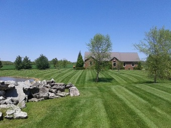 Lawn Mowing Contractor in Clarksville, TN, 37042
