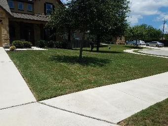 Lawn Mowing Contractor in San Antonio, TX, 78247